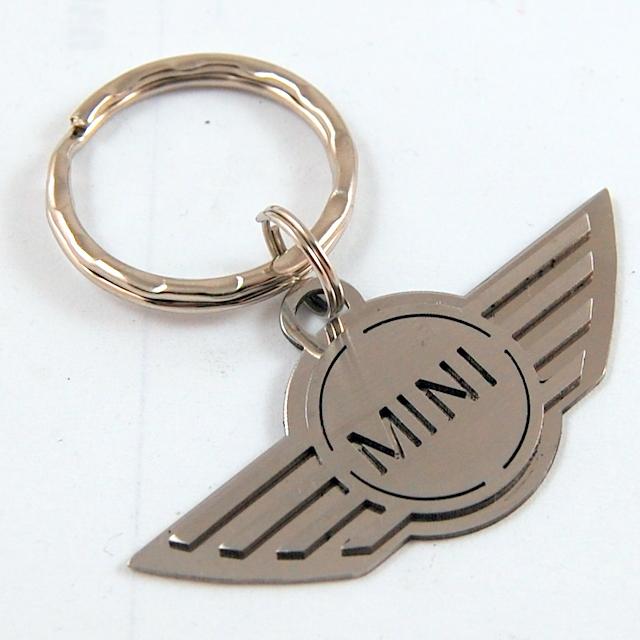 Kľúčenka Mini Cooper z chirurgickej ocele  52b2bb347e1