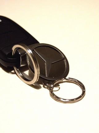 Kľúčenka Mercedes z chirurgickej ocele