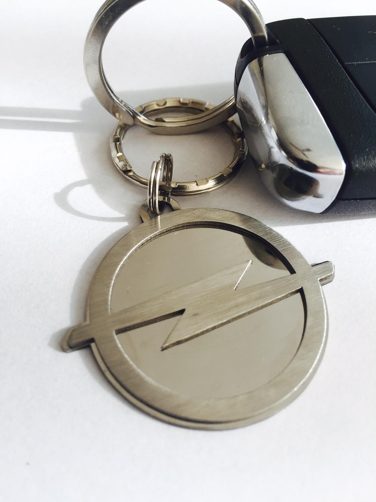 Kľúčenka Opel z chirurgickej ocele  69602886937